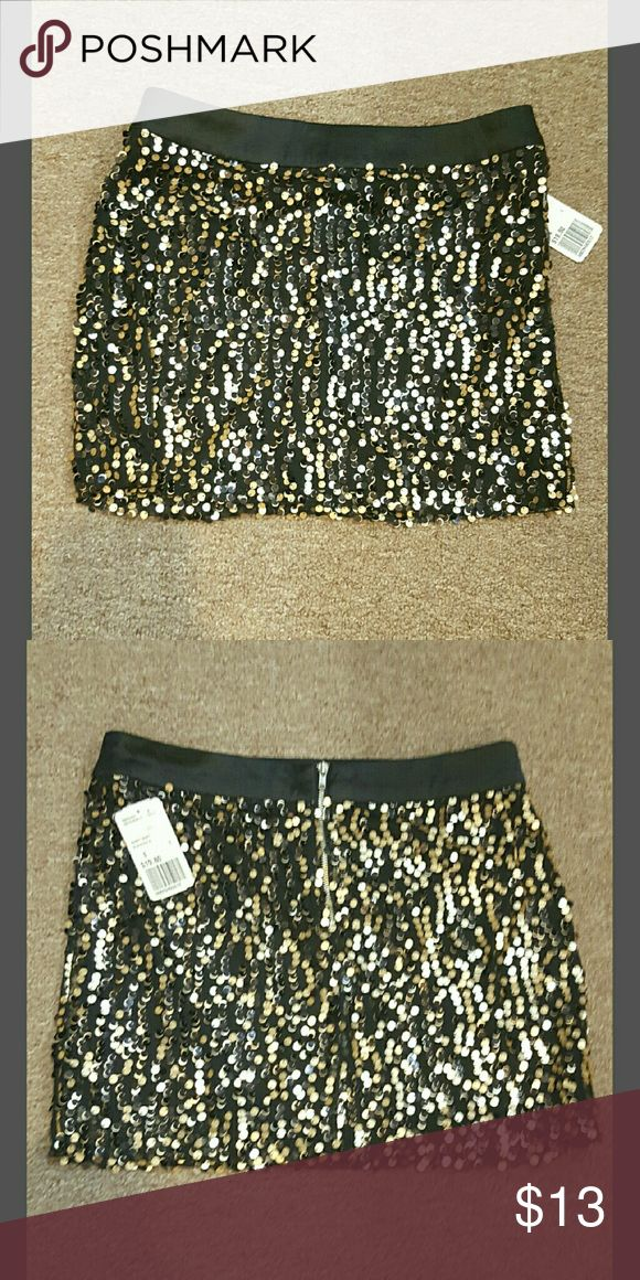 NWT F21 mini skirt- final price Size small. Forever 21 going out mini skirt with sequins, NWT. 100% polyester. 13in long. Has zipper in the back. Regular price  $19.80 Forever 21 Skirts Mini