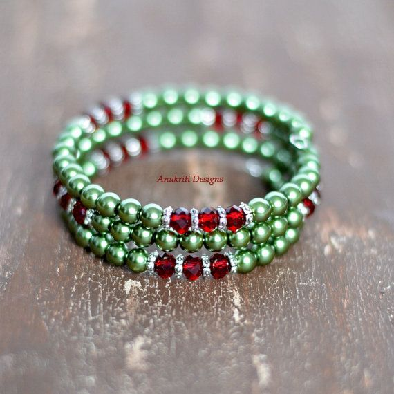 Green pearl memory wire bracelet ** Free Shipping within the US** Memory wire wrap bracelet, Three strand bracelet
