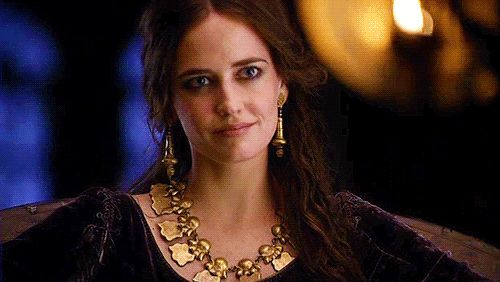 Morgana Pendragon, the eldest sibling with precognitive ability. When Morgana was 18, she got a vision of Guinevere as a queen after the little sister sacrifices the thing she loves most. Look at Eva's eyes...she's the perfect Morgana