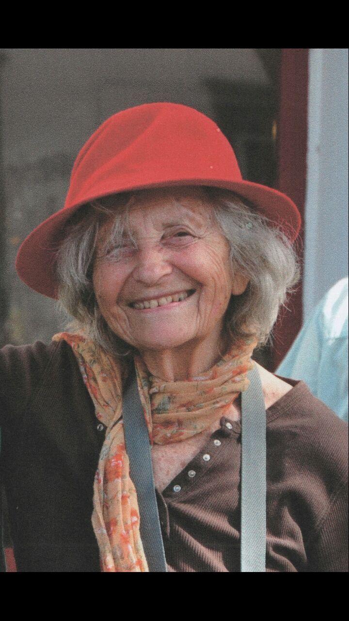 """Леа Ливне из киббуца Мааган, кот. был 81 год. Умерла она скоропостижно от обширного инсульта. И по просьбе ее семьи, выполнявшей последнюю полю покойной, ее органы были пожертвованы для спасения жизней. LJ """"grimnir74""""."""
