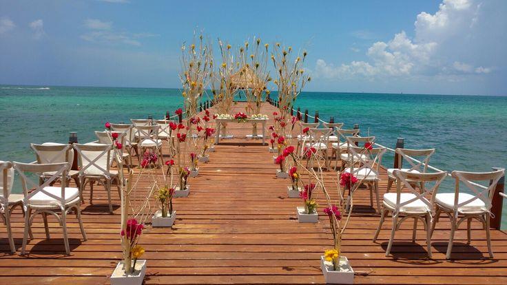 Increíble Decoracion.  Ceremonia de boda personalizada.