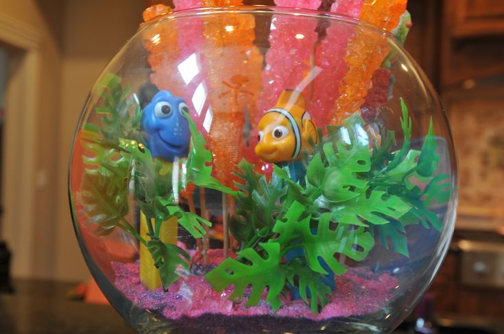 Finding nemo baby shower fish bowl decorations disney for Nemo decorations
