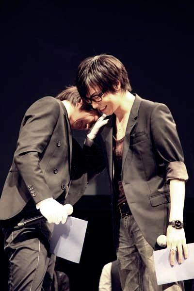 Tatsuhisa Suzuki [ 鈴木達央 ] Daisuke Ono [ 小野 大輔 ] <<<<<<<<<<<<< I KNOW THIS!!!! BLACK BUTLER SEIYUU EVENT! <3