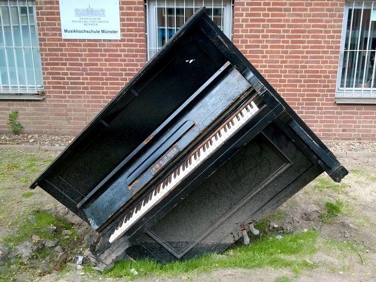Münster in Westfalen - #Klavier vor der Musikhochschule Münster #Muenster