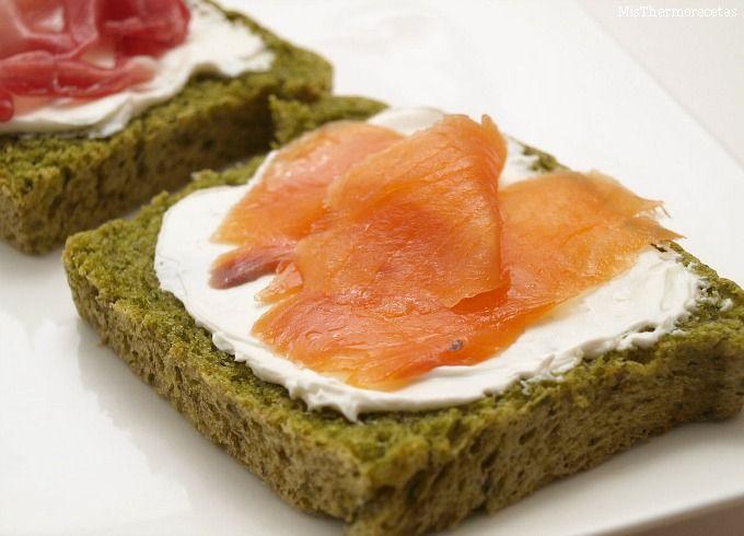 Pan verde o pan integral de espinacas - MisThermorecetas.com