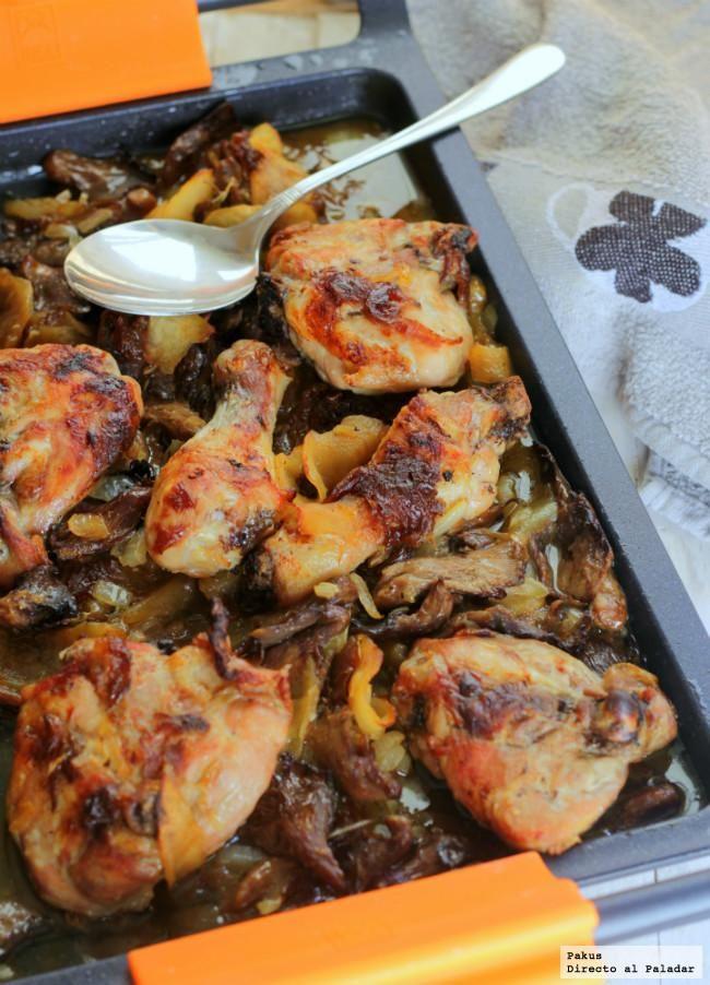 Pollo Manzana Y Setas Bra: 4 contramuslos de pollo, 2 manzanas, 2 cebollas, 300 g de setas de cardo, vino blanco, sal y pimienta