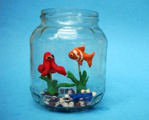Kostenlose Knetgummi-Aquarium zum Basteln