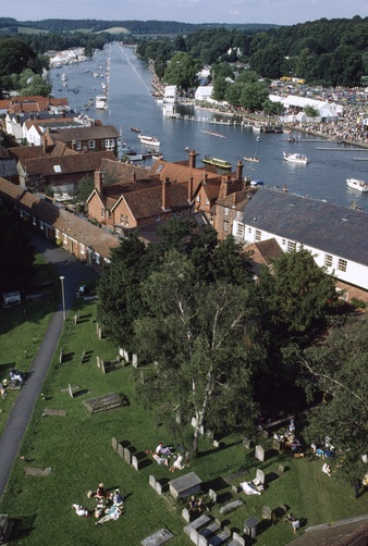 Henley Royal Regatta, an annual tradition since 1839.  Location:THAMES RIVER, HENLEY-ON-THAMES, OXFORDSHIRE, ENGLAND.