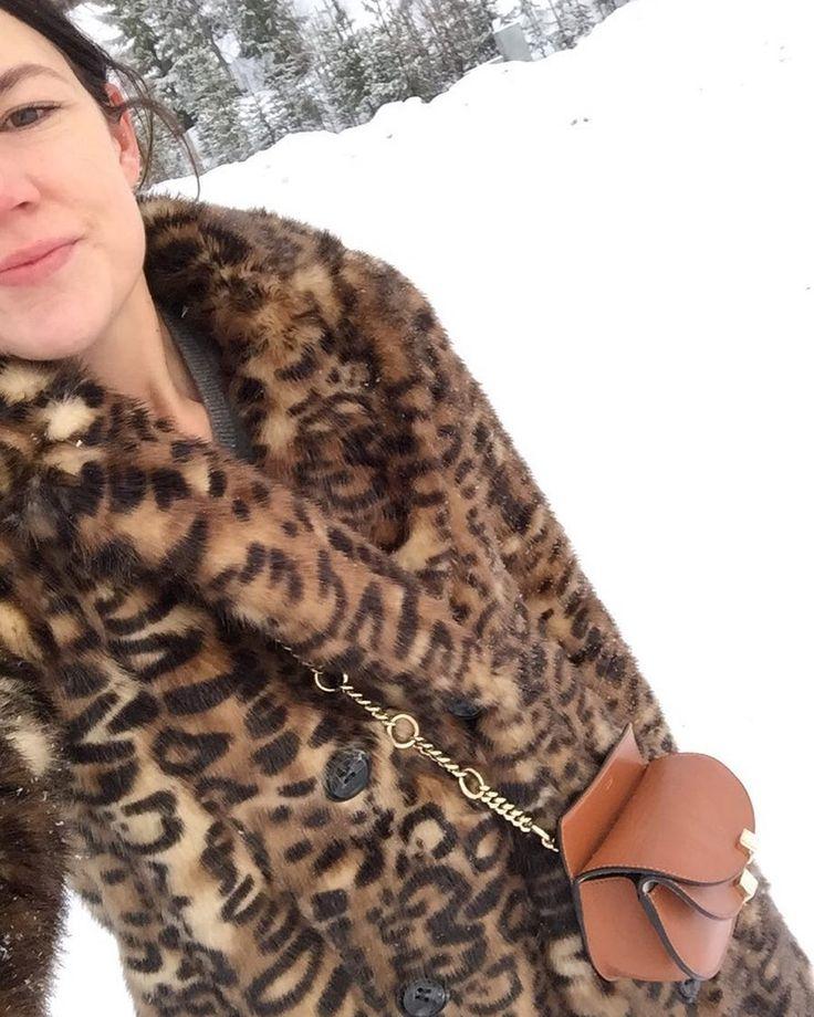 """90 gilla-markeringar, 6 kommentarer - Eleonore Nygårds (@nygards) på Instagram: """"När snöstormen kom drog 🐆hem👋🏻"""""""