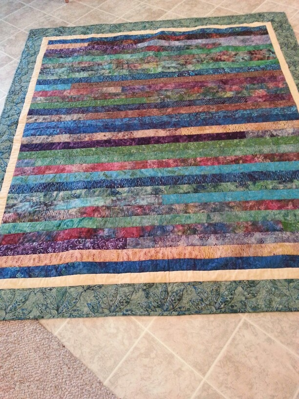 Easy Quilt Patterns For Graduation : 17 Best images about Other Quilting on Pinterest Easy a, Colorful fish and Quilted table ...