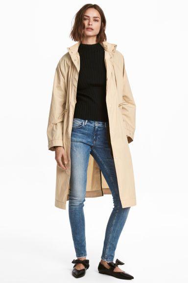 Skinny Low Jeans Model