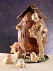 Uovo in cioccolato. Lo stampo per realizzarlo è acquistabile su www.decosil.it