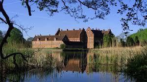 Gisselfeld Slot og Gods14 km NØ for Næstved