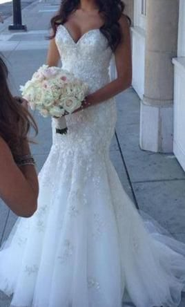 Sophia Moncelli $2,000 Size: 6 | Used Wedding Dresses