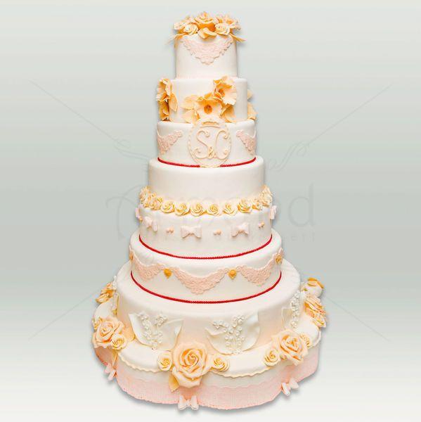 Tort de nunta in stil regal. Daca ti-ai dorit un tort de nunta luxuriant si elegant, cu accente royal vintage, atunci acest model este varianta perfecta pentru tine. Poti alege o alta gama de culori, detalii si chiar compozitie.  Pret: 560 lei (3.5 kg)