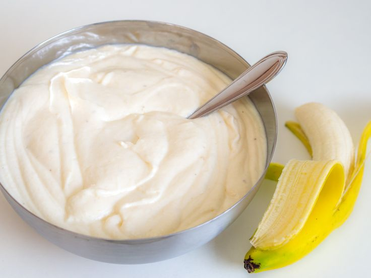 This banana cream is fruity-light and tastes great of banana. With sc …   – Backen