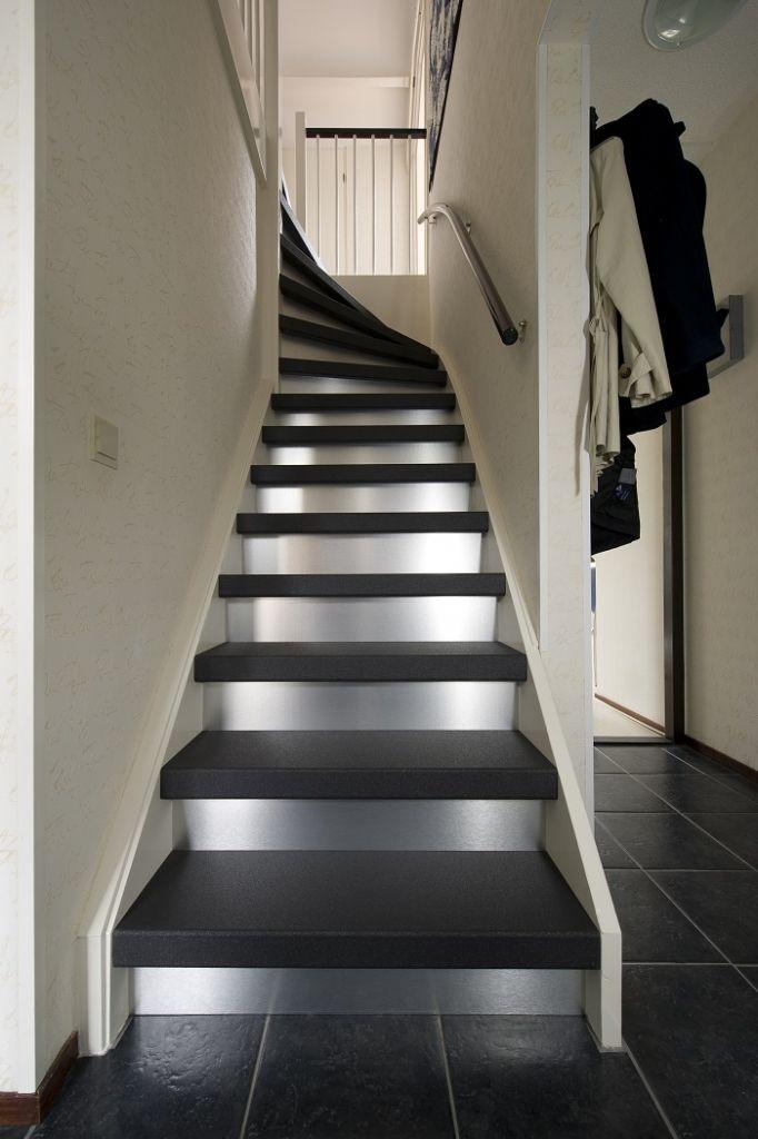 Je hal inrichten: maak een goede indruk met een mooie trap! - Upstairs Traprenovatie Blog