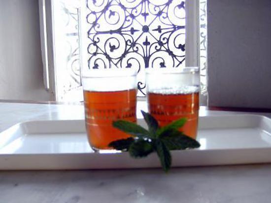 Thé vert marocain à la menthe