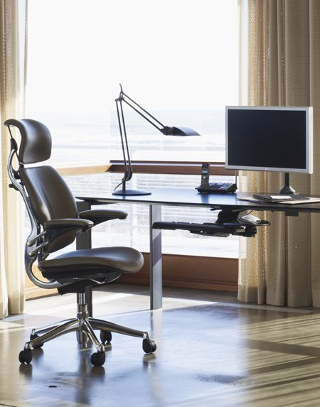 Humanscale - Freedom Task Chair w/ Headrest in Prima Leather; Niels Diffrient (1999)