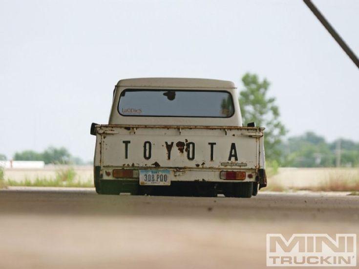 1967 toyoya- Love an old school Yota!