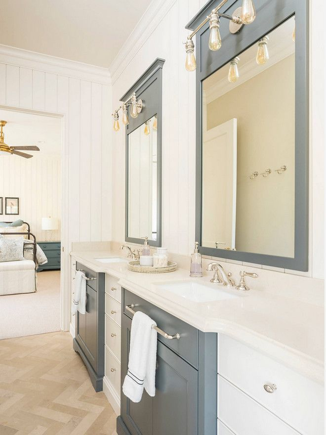 two tone bathroom cabinets 1000 ideas about two tone cabinets on two 21072