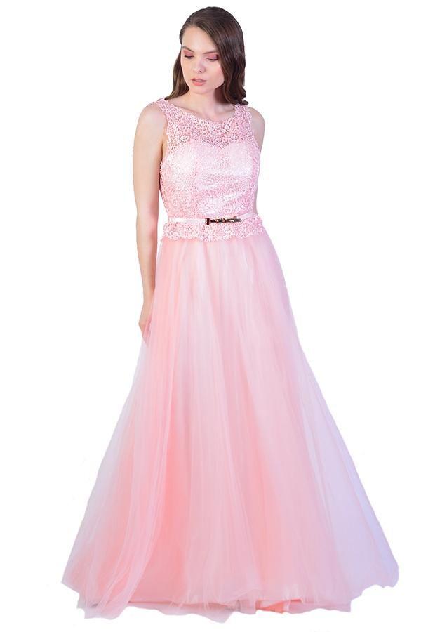 La Femme Romania - Moda, stil si eleganta de 20 de ani !  LaFemme.ro te asteapta cu rochii de seara.
