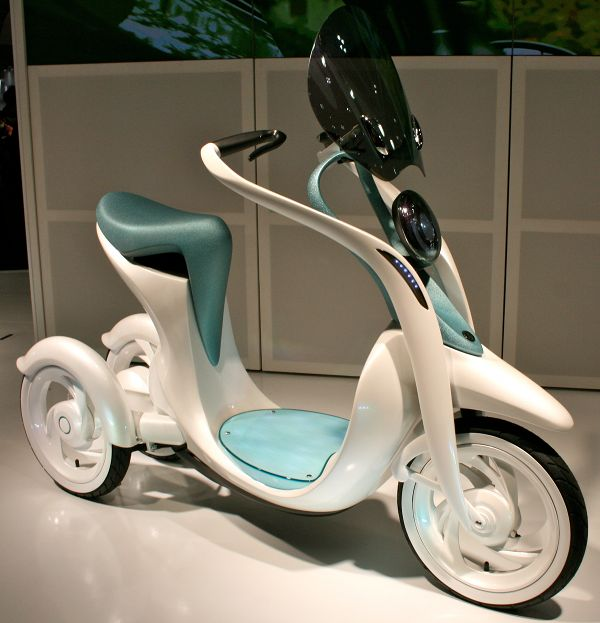 Yamaha EC-Miu, Three Wheel Electric Scooter