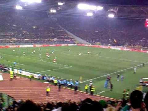 roma - panathinaikos 2-3 25/02/2010 (live το τριτο goal cisse απο εξεδρα...