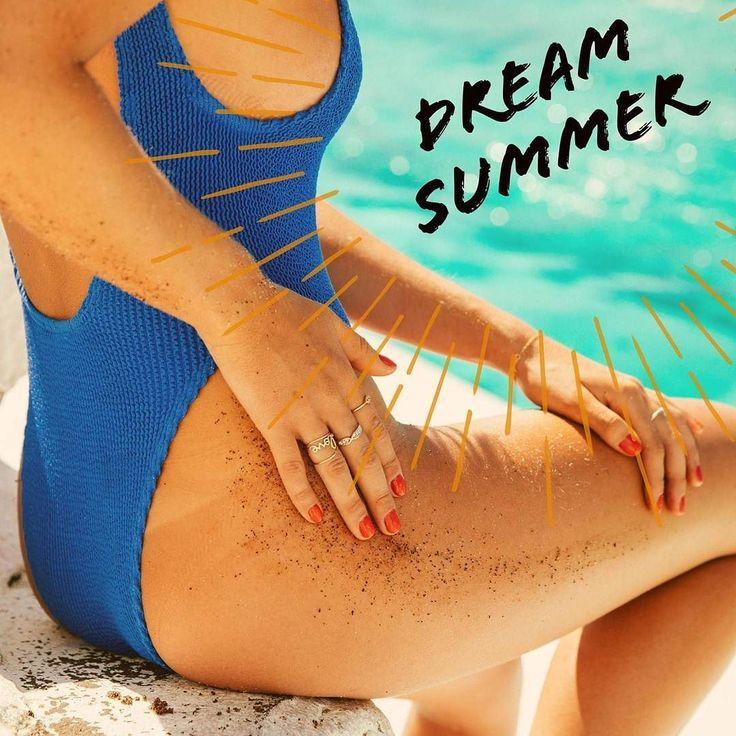 Dream Summer the warm rays on your skin and the sand between your toes. #summer #bondibeach #bondiscrubs #organic #sydney #spring #coffeescrub #skin #beauty  http://ift.tt/2fZGNx5