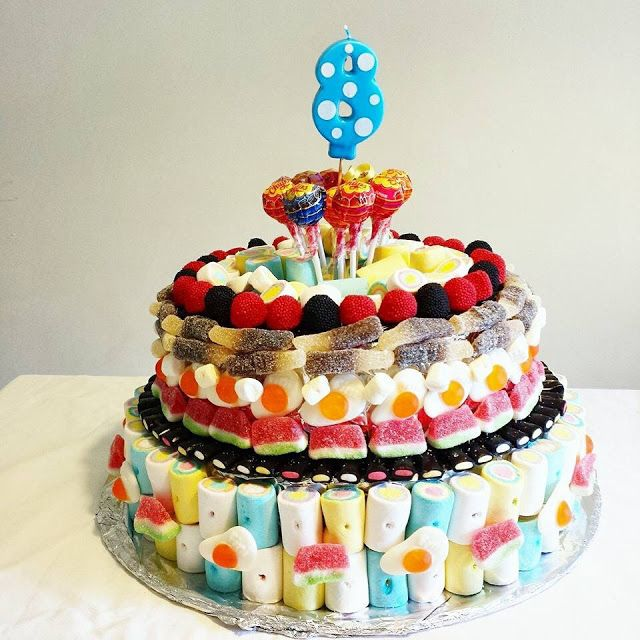 Torta di caramelle - torta, caramelle, tarta de chuches, sweets, chicchi, lollipops, liquirizia, candy cake