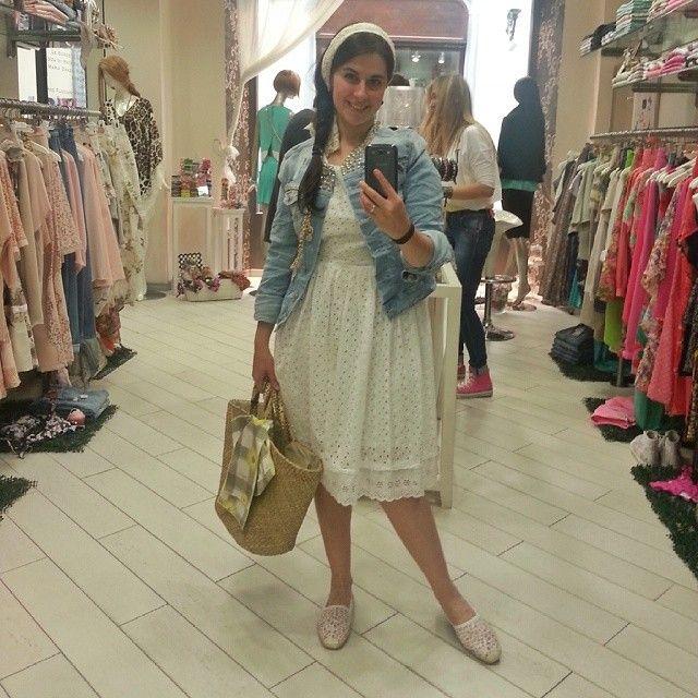 #feelingoodmonferrato a spasso per i negozi di Alessandria. Alessandra Giovanile (ricettedicultura.com) sta per fare UNA GITA IN CAMPAGNA. Si è vestita e ha scattato il suo selfie da La Maison 75 (Galleria Guerci 21)