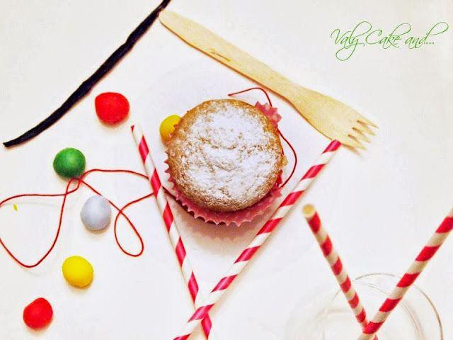 Vanilla Muffin and Cupcake... Valy Cake and...: Muffin e cupcake alla vaniglia... http://valycakeand.blogspot.it/2013/10/muffin-e-cupcake-alla-vaniglia.html