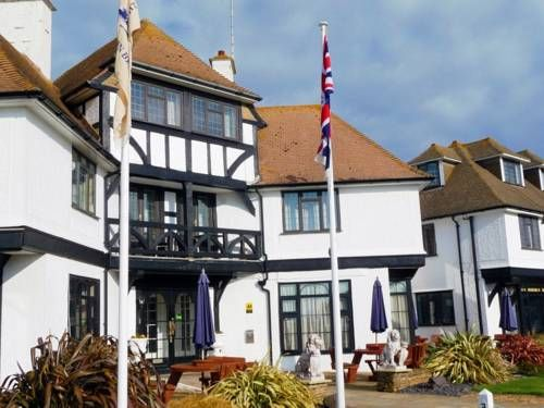 The Cooden Beach Hotel AL PENNIMPEDE has just reviewed the hotel The Cooden Beach Hotel in Bexhill - United Kingdom #Hotel #Bexhill
