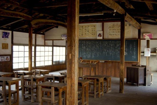 本島 小学校跡  Honjima The remains of an elementary school