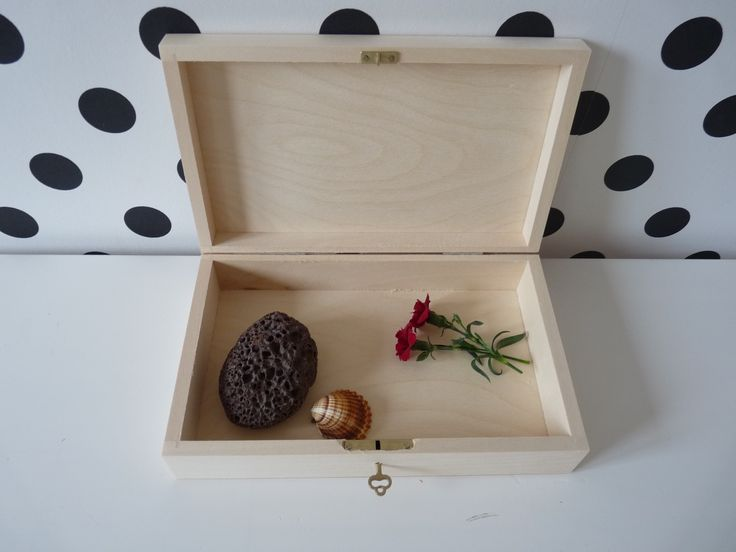 Medium wooden box with key, wooden box for DIY projects, treasure photo box, box with lock, jewelry box, unfinished photo box, natural box