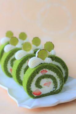 「ふわふわ抹茶ロールケーキ♪」あいりおー | お菓子・パンのレシピや作り方【corecle*コレクル】
