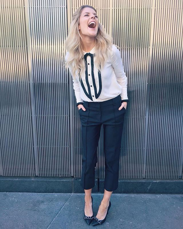 love this b&w outfit (grace helbig)