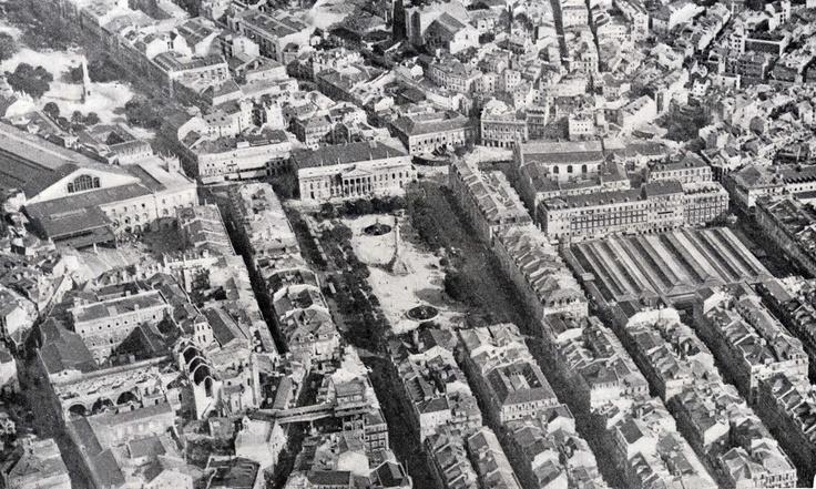 Vista de Lisboa com Restauradores, Rossio, Praça da Figeira... em 22 Setembro de 1919.   Foto de Serra Ribeiro.
