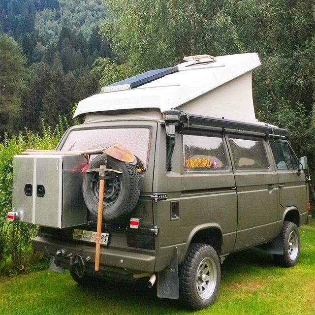 322 best t3 syncro images on pinterest caravan camper and van life. Black Bedroom Furniture Sets. Home Design Ideas