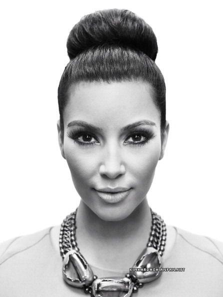 Kim Kardashian <3 hair, makeup, and necklace