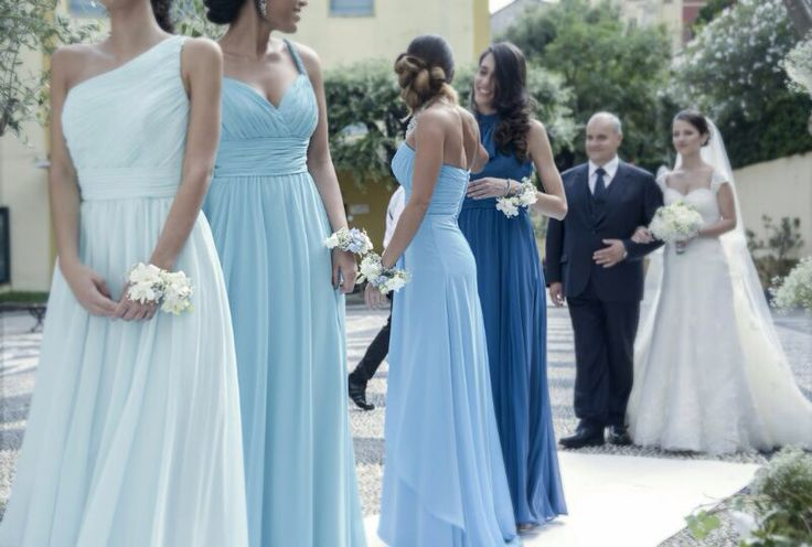 Damigelle con abiti della linea IDEEVENTI bridesmaids