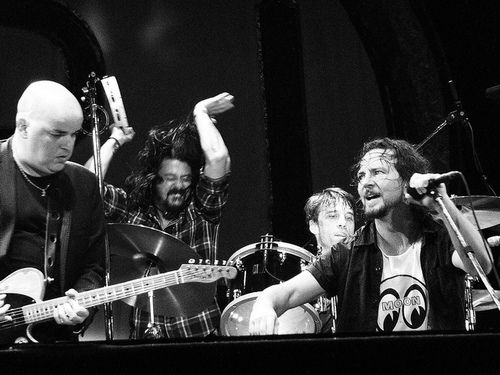 Eddie Vedder   Dave GrohlEddie Vedder Dave Grohl