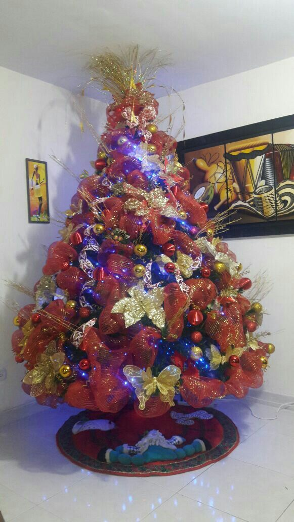 árbol decorado con malla.Labores ZAJARIN.2016/2017