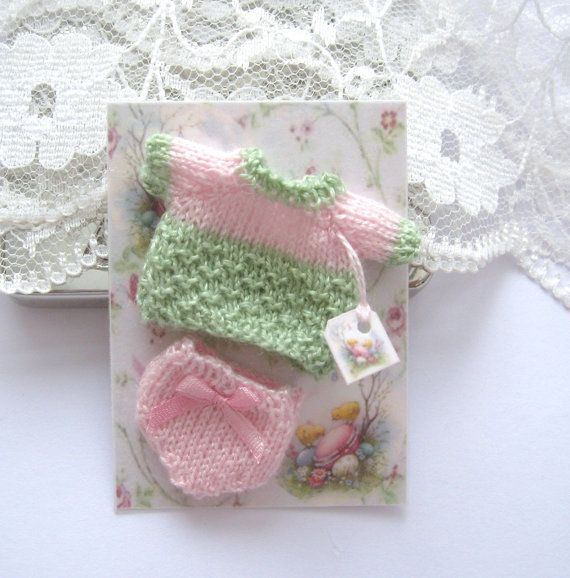dollhouse knitted baby doll top and pants set by Rainbowminiatures