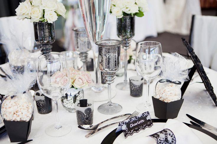 Black and white tablescape black and white wedding for Black and white tablescape ideas