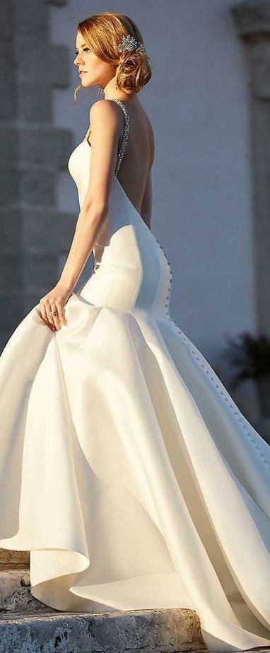 Beautiful Backless Wedding Gown #dream #wedding #inspiration