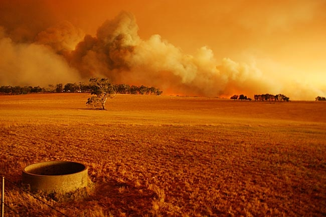 Photo taken by Rhys Smith of Churchill/Hazelwood fire, Lawless Rd.