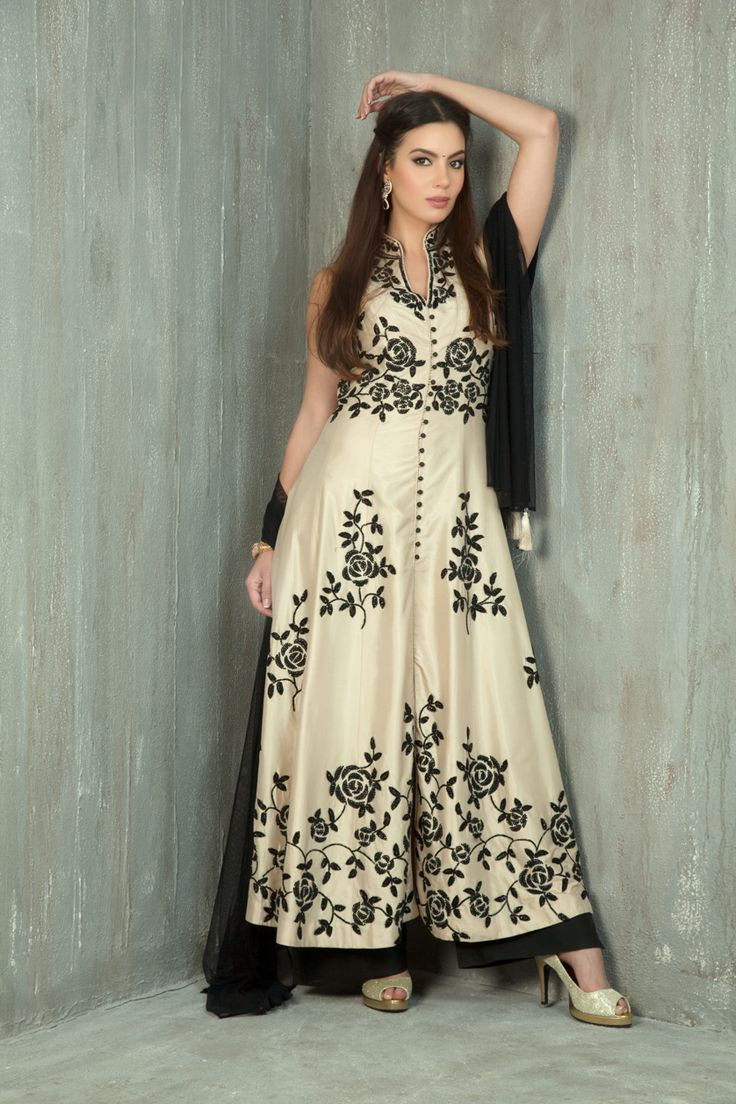 Silk kurta with straight pants embellished with sequins work