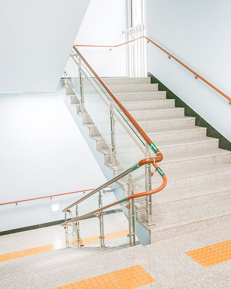 Taeseong Elementary School Gwangju Gyeonggi-do Province Korea(South of)  For more information Please visit our web-site : www.corailing.com  #corailing #korea #handrail #stair #baluster #balustrade #railings #balcony #stainlesssteel #design #interior #construction #railing #customized #architecture #modern #neat #resort #apartment #interiordesign #architect #safety #inoxrailing