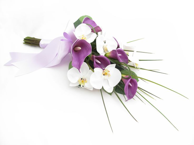 Sheaf bouquet by Loveflowers. Find your perfect wedding flowers at www.loveflowers.com.au